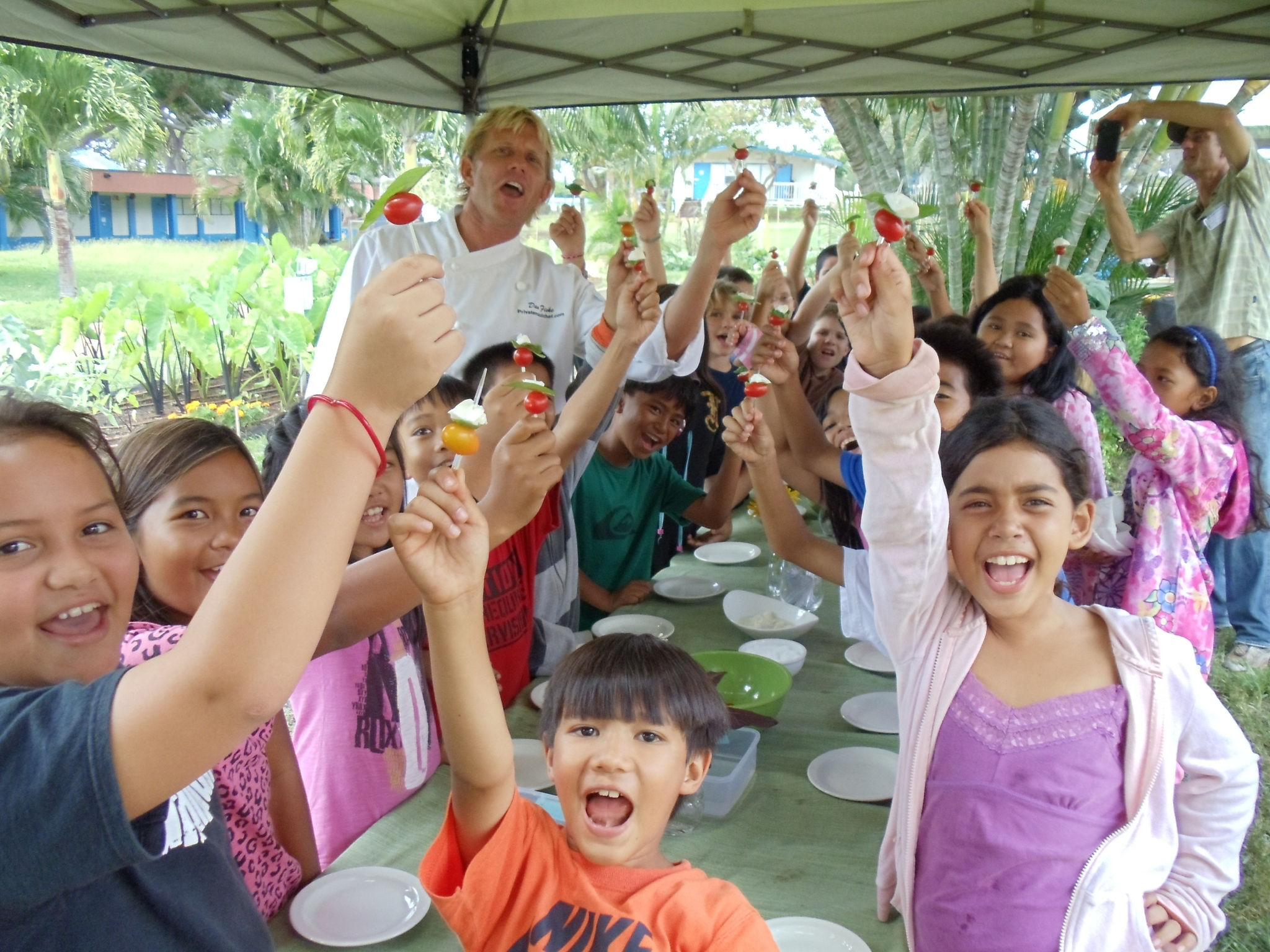 Hawaii Legislators Support Farm to School Programs