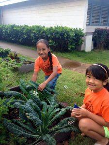 Girls with Kale Wailuku El
